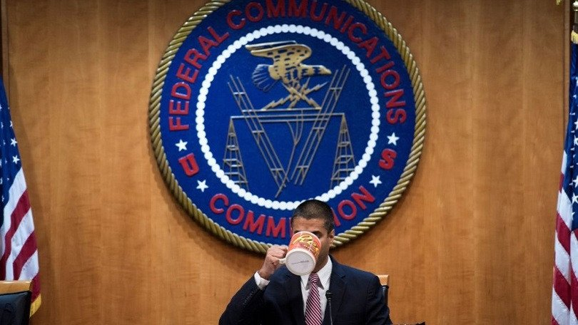 Supreme Court declines to hear net neutrality challenge: https://t.co/Zh1AhR9Chu #NetNeutrality