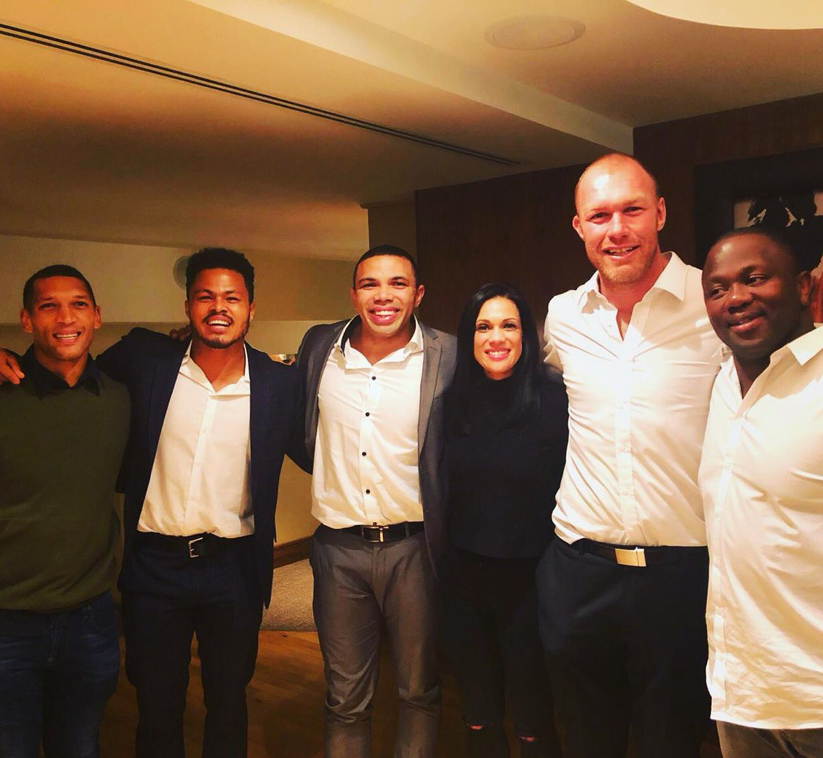 """"""" Always great to catch up with the #BlueAndWhiteHoops Family """" #TimeFlies ➿  @THESTORMERS @DHLAfrica @WP_RUGBY https://t.co/bt12fCvq8e"""