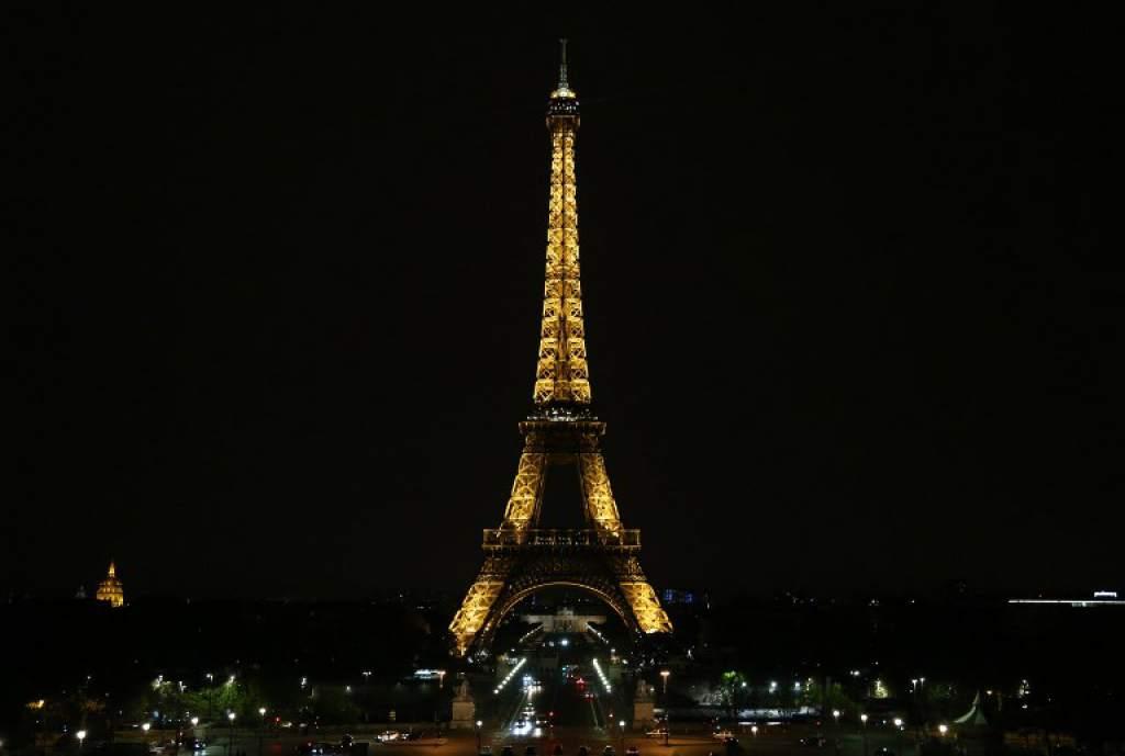 Un trozo de escalera de la torre Eiffel será subastado #DiarioLaPrensa https://t.co/vLVbvCTa9B https://t.co/MEumKgJoo9