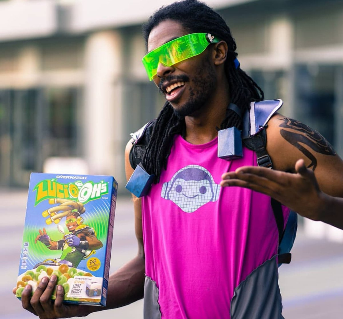 Blizzcon 2018 I was a walking advertisement!! @Blizzard_Ent @PlayOverwatch let me stand outside stores and sell lucio-oh's  😂😂😂😂😂 #luciocereal #lucioohs #luciocommercial #blizzcon #blizzcon2018 #luciocosplay
