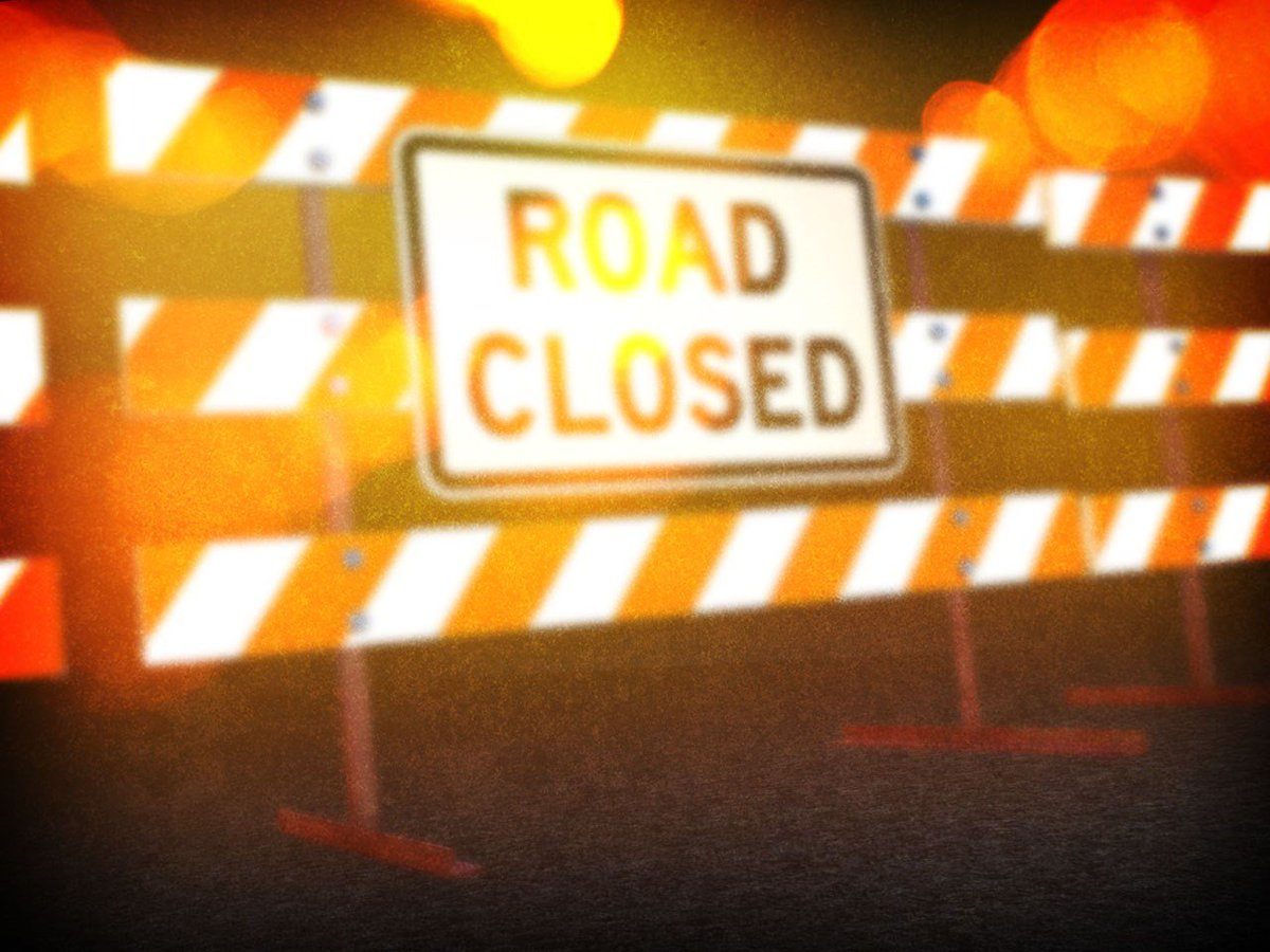 #TrafficAlert: #Genesee Road between #Carpenter and #Stanley Roads is closed due to a #crash. Please avoid the area.