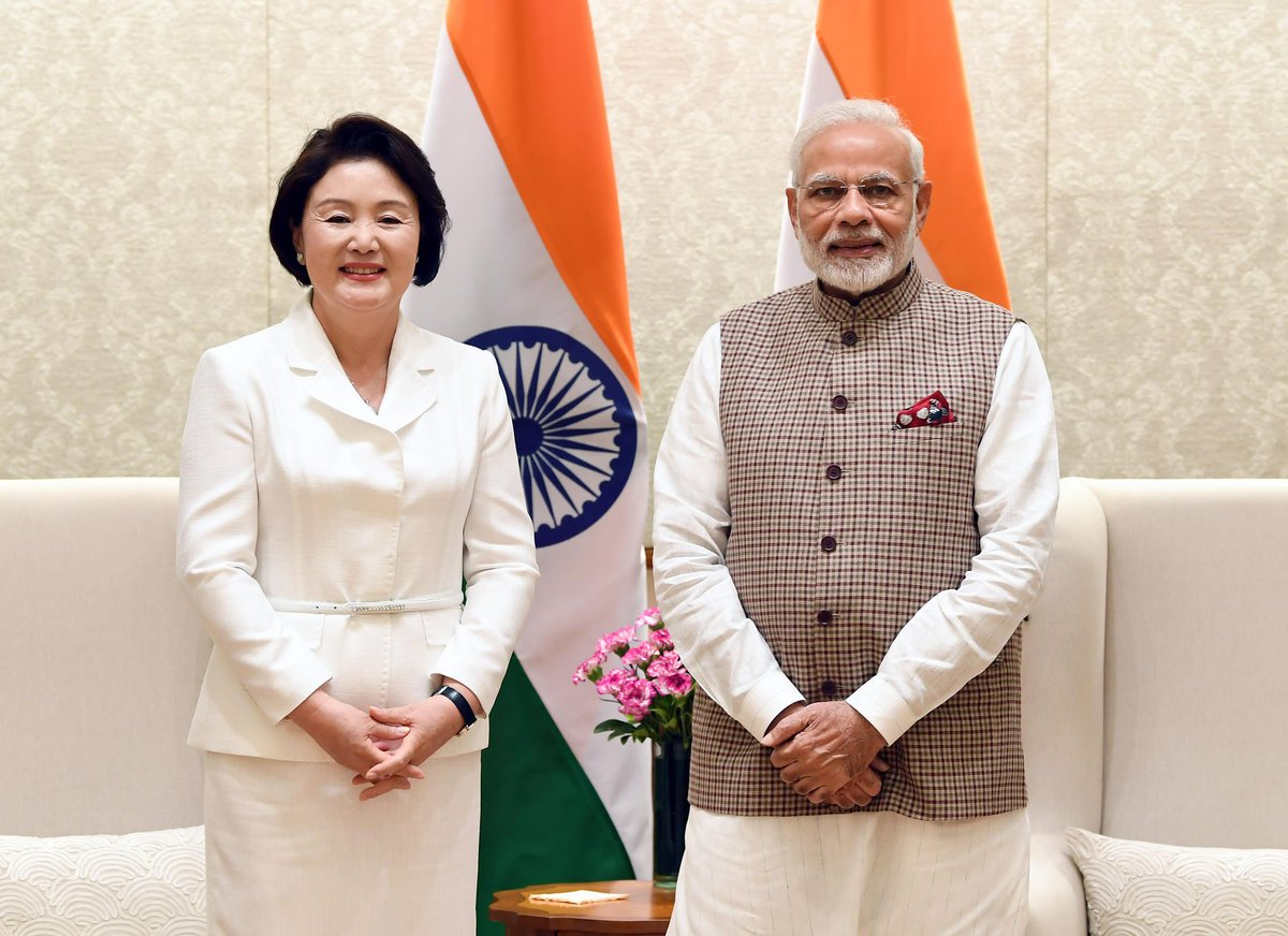 Prime Minister meets First Lady of the Republic of Korea