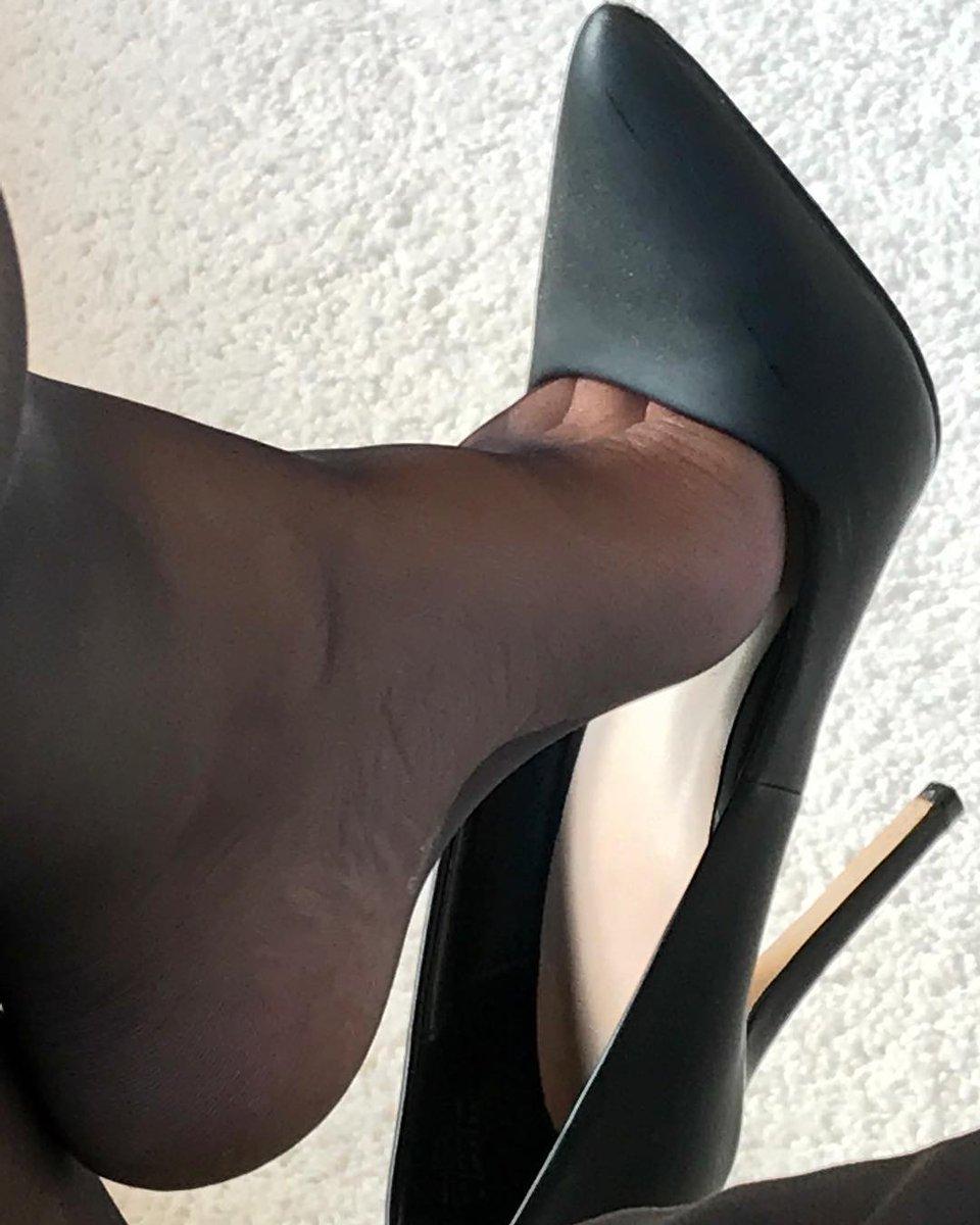 Ebony dangling heels