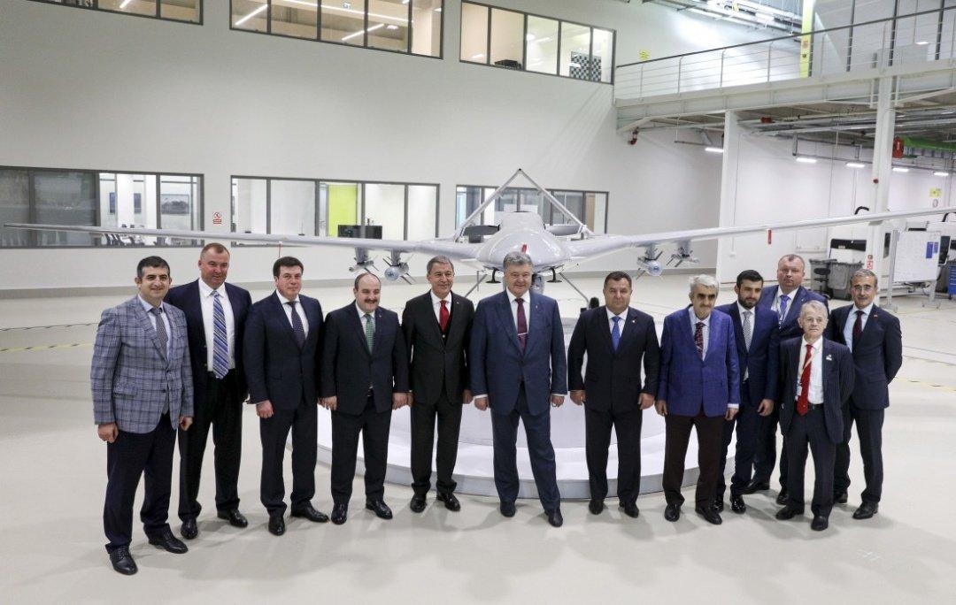 وفد أوكراني يبحث شراء طائرات بدون طيار تركية الصنع DrUot17X0AAdSuj