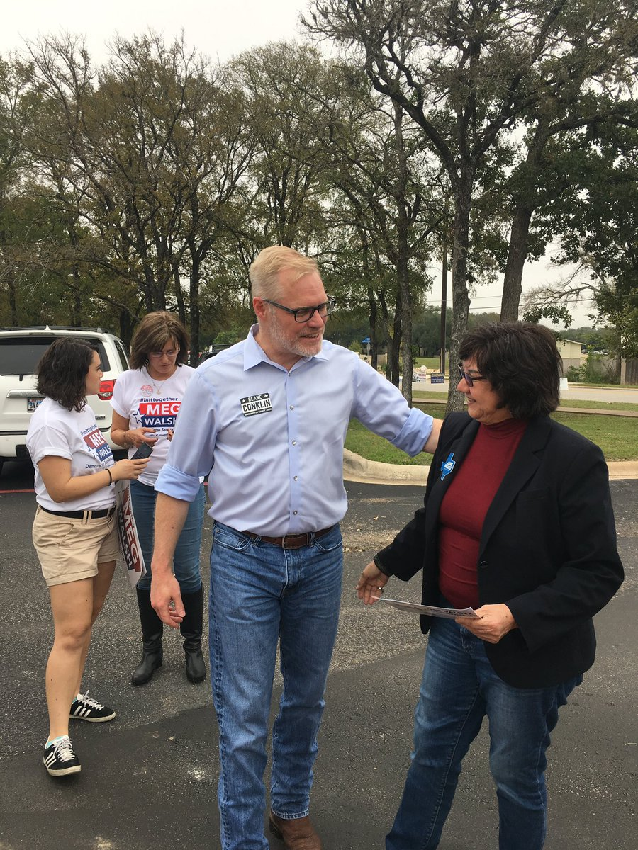 It's up to us to show up for democracy and #Georgetown definitely was ready for that fight today!   Let's vote our hearts out and show everyone that #Texas gets it done! #VamosValdez https://t.co/tH5dEZ2vkX