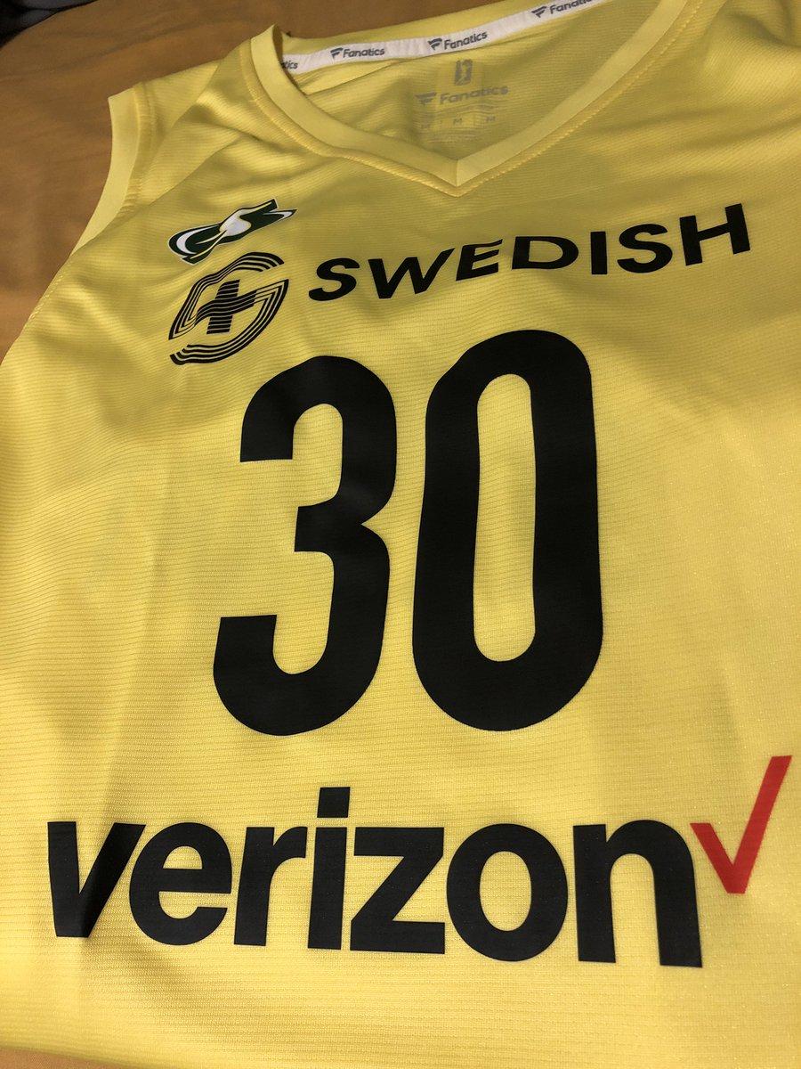 Finally  @breannastewart @WNBA<br>http://pic.twitter.com/6oRqz8TeCa