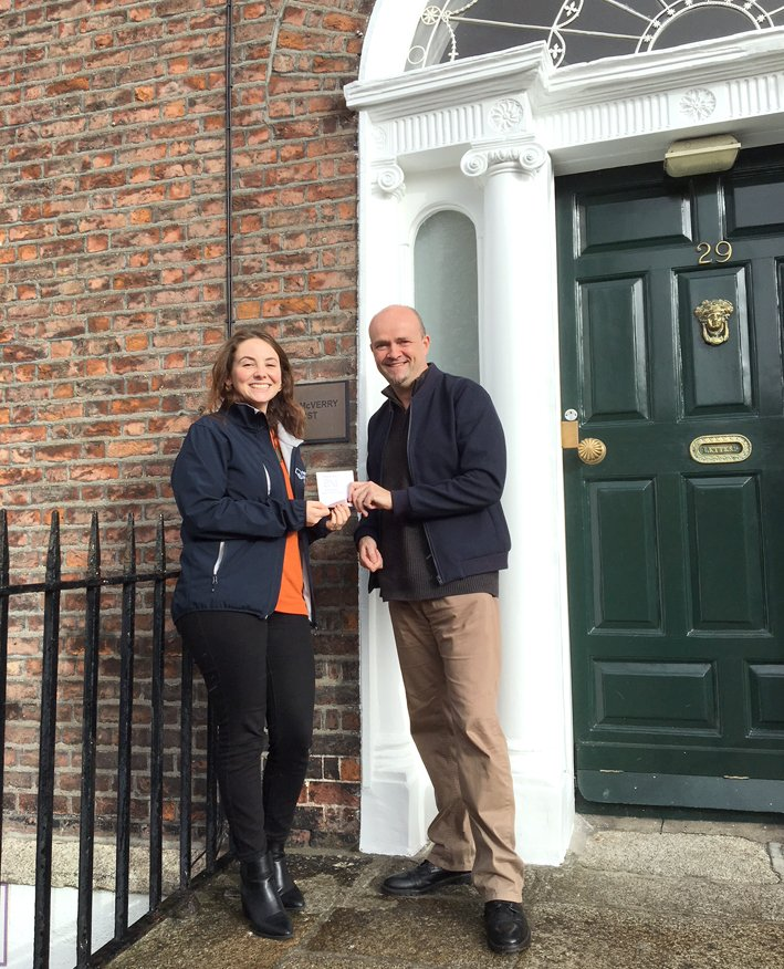Delighted to present the wonderful Kate O'Loughlin of @PMVTrust with a cheque on behalf of @BNImarketwest and @esdigitalmedia.  That's 250 hot meals for homeless people - make a difference at https://t.co/JcibOF7nZi #networking #petermcverry #business #community #homelessness