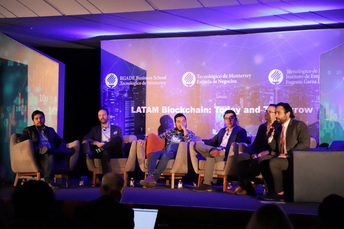Inicia el Panel: Fintech Startups, con emprendedores mexicanos como Jesús Fuentes, CEO de SEIF; Jonathan Stahl, fundador de EduFintech y Eduardo García, cofundador de Regtech Legal Advice, quien nos explican cómo Blockchain es parte fundamental de sus empresas. https://t.co/7yJkp0rswD