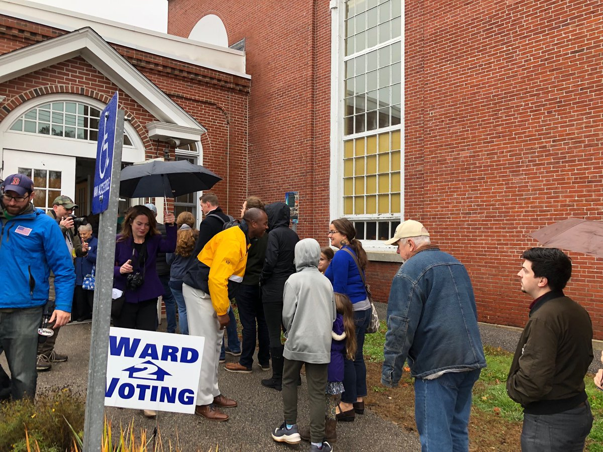 This Morning: @EddieEdwardsNH greeting voters at the polls in Dovers Ward 2, where the #NH01 Republican nominee voted #NHPolitics #2018MidtermElections