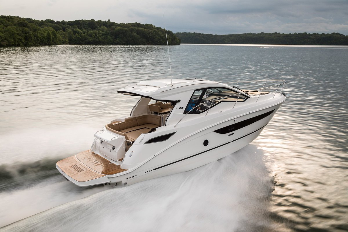 Sea Ray Boats On Twitter With A Sleek Stylish Aesthetic That S