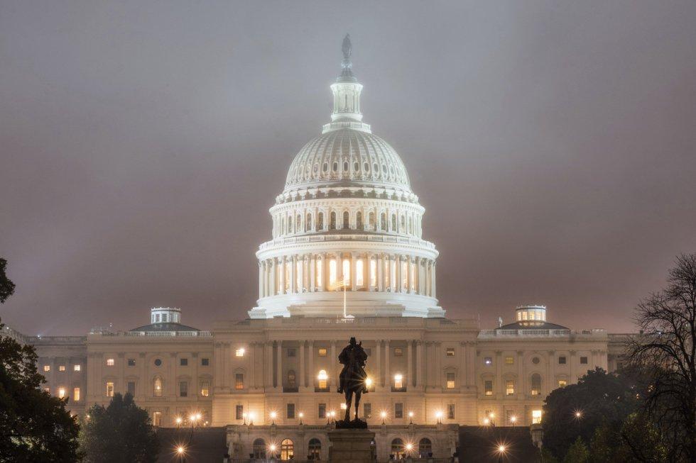 Elecciones mantienen dividido a Estados Unidos