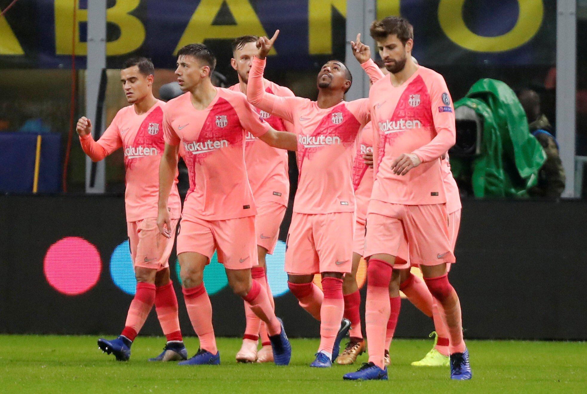 صور مباراة : إنتر ميلان - برشلونة 1-1 ( 06-11-2018 )  DrWqdw8WsAEK13Z