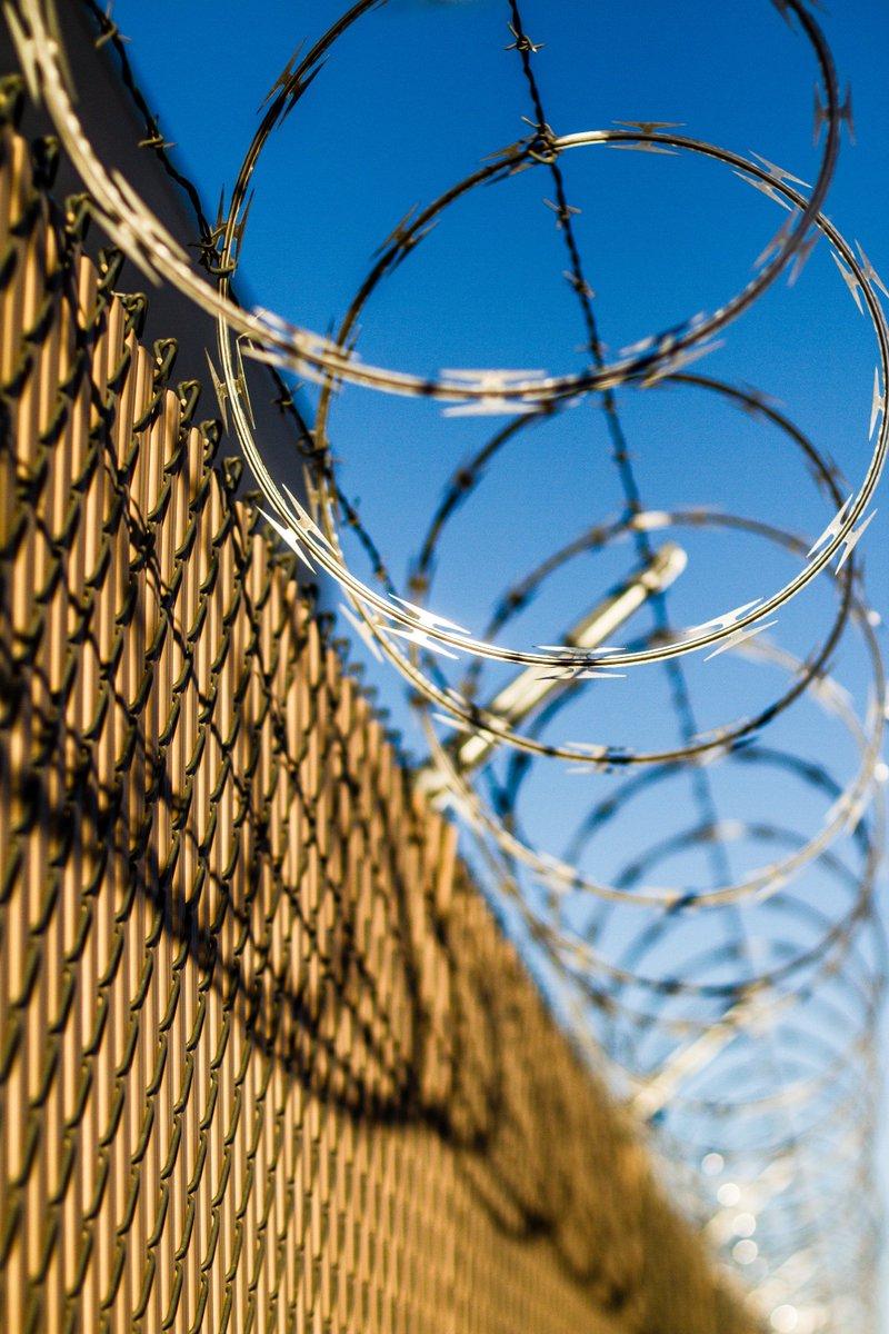 공안(관련)사범 교화지침 정보공개 소송 1심 비공개 판결에 대한 논평 http://www.cathrights.or.kr/bbs/list.html?table=bbs_8&idxno=22681… 이번 판결은 법원이 반헌법적이자 법적 근거도 없는 공안(관련)사범 교화를 비공개로 지속하고 있는 법무부의 행태를 묵인한 것이자 사상의 자유를 보장하는 헌법 정신을 노골적으로 무시한 것입니다.