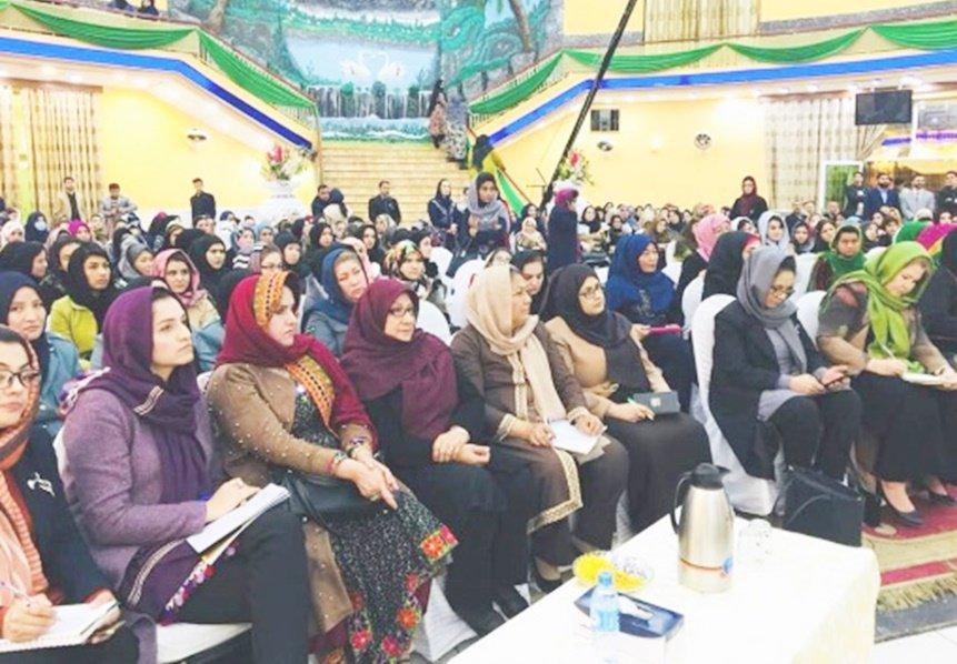 داکتر حبیبه سرابی از درج نظریات زنان در تفاهمات صلح با مخالفین اطمینان داد hpc.org.af/dari/index.php…