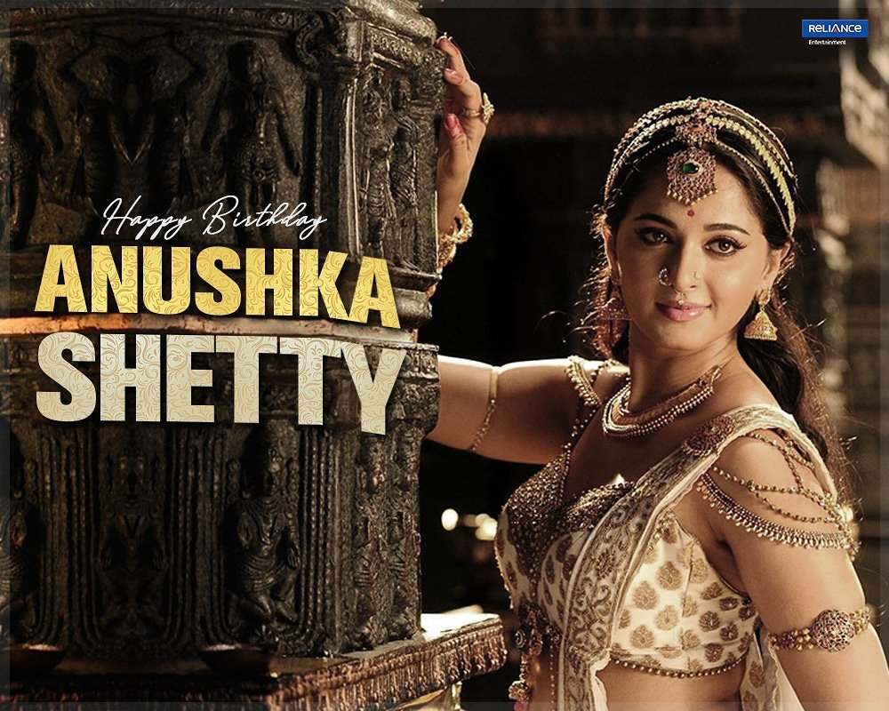 The queen of style and grace! Heres wishing a very happy birthday to #AnushkaShetty. #Rudhramadevi