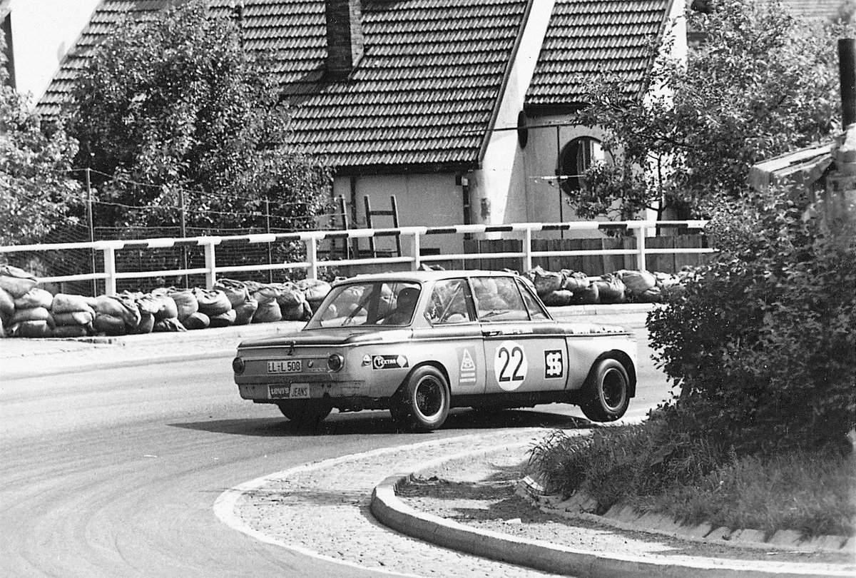 Racing the way it used to be.  Hans J Stuck @HansJStuck #BMW Alpina 2002