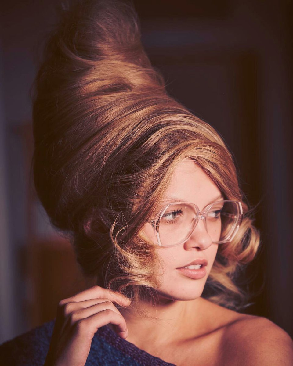Slf Fashion On Twitter 1960s Retro Puff Beehive Hairstyle In On