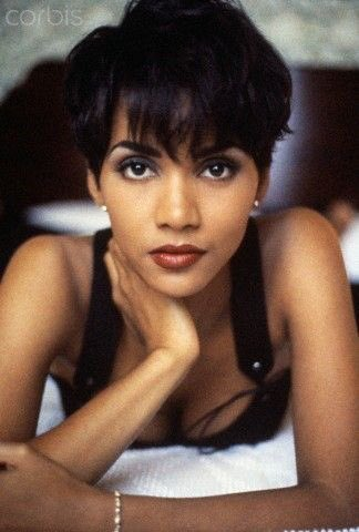 Bontle Moabi On Twitter 90 S Halle Berry My Goodness