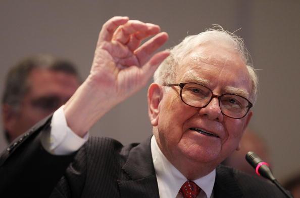 Warren Buffett's Berkshire Hathaway now has a stake in JPMorgan Chase https://t.co/r9RSHlYJ4k