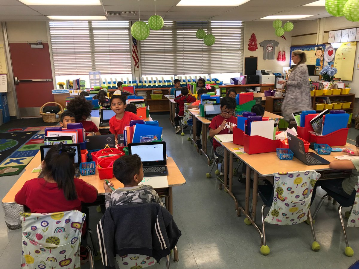 Pomonaedtech On Twitter First Graders At Allisonpusd Learning To Use