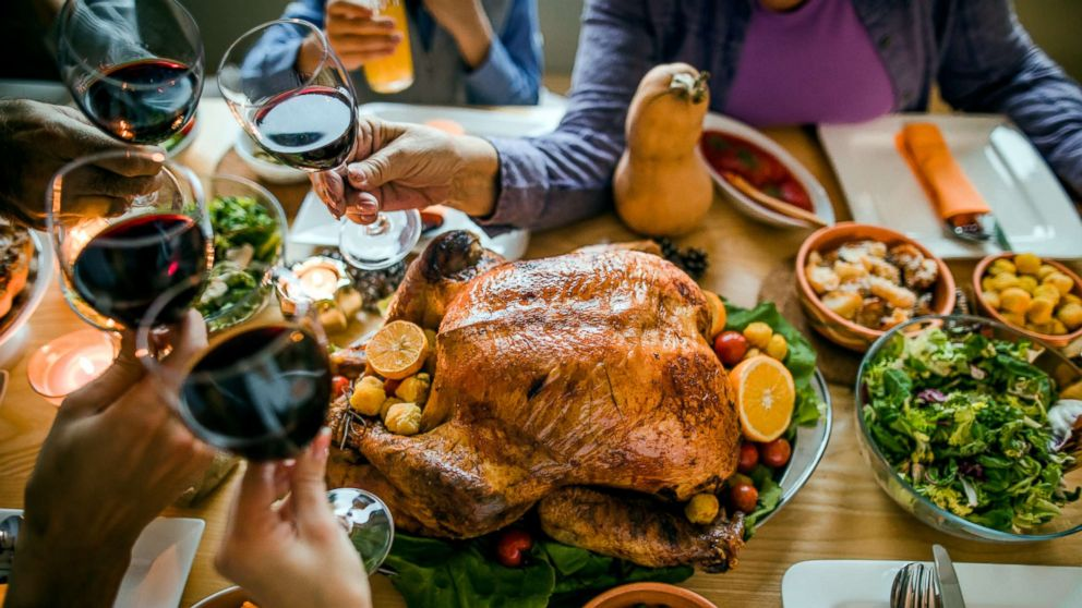 Cheers! Here are the best wines under $25 to drink at your Thanksgiving feast�� https://t.co/gTEKmcimus https://t.co/bjHSretbxG