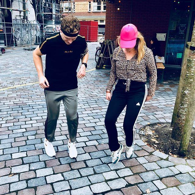 Sjonnie & Anita style Silent Disco Komende vrijdag van 15:00 - 23:00 uur!  Kom lekker in je Adidas broek, kan gewoon!  Tag jouw Sjonnie of jouw Anita!  #aussie #sjonnieenanita #verkleedfestijn #amsterdam #silentdisco #cafefest #panter #gileracitta
