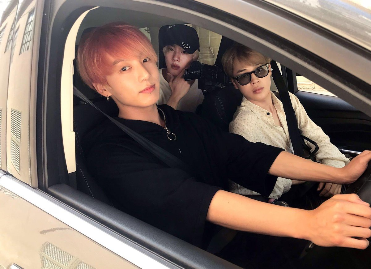 @softangeljin: they just hit you with the car what would you do? https://t.co/Ef3BOjcbk5