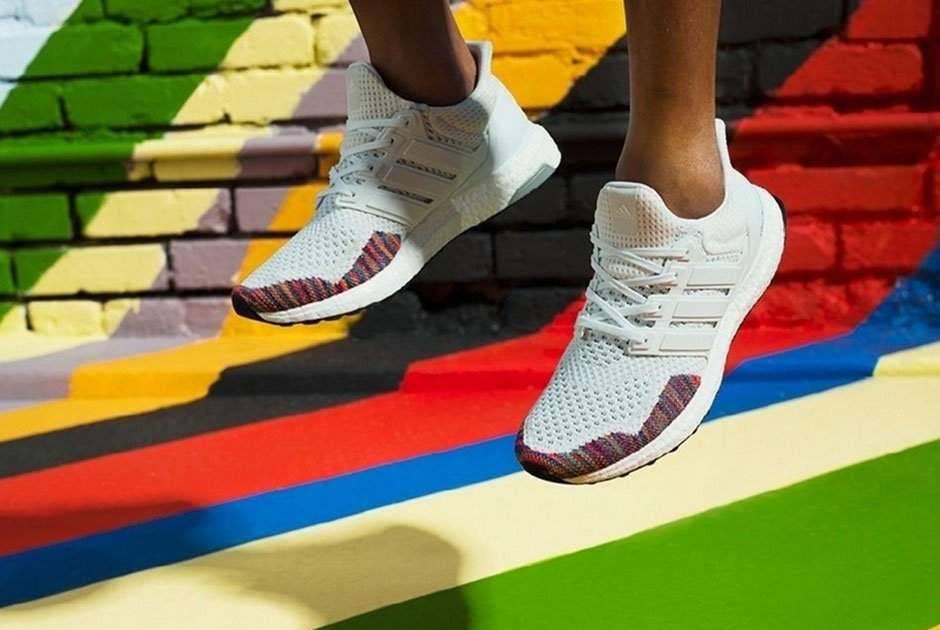 7cd2cce98f6 LIVE! adidas Ultra Boost 1.0  White Multicolor  BSTN http   bit.ly 2ySRiMe  43 https   bit.ly 2qjUSun OK https   bit.ly 2CUAYNI SS  http   bit.ly 2F79mYM AF ...