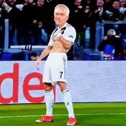 Celebration went wrong #Ronaldo,that Freekick can free prisoners 🎸