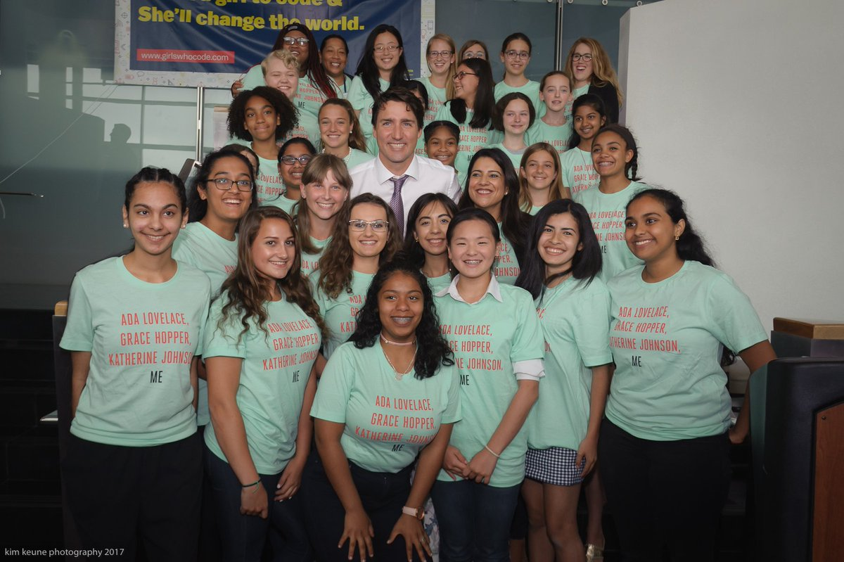 Now that @GirlsWhoCode is in Canada, I'm looking forward to doing this again @JustinTrudeau! 🍁
