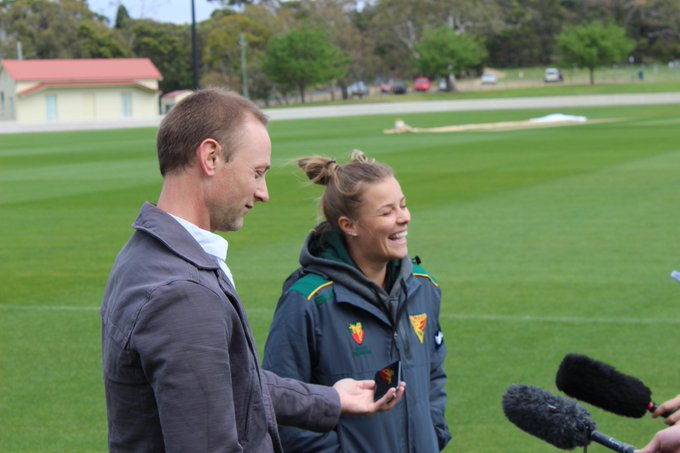 😁📸🗣🎥 All smiles this morning at the TCA Ground as @englandcricket's World Cup winner, @AlexHartley93, met with local media for the first time before training. Alex will debut for our #WNCL Tigers tomorrow vs. Queensland & Saturday vs. South Australia. #WeAreTigers Photo