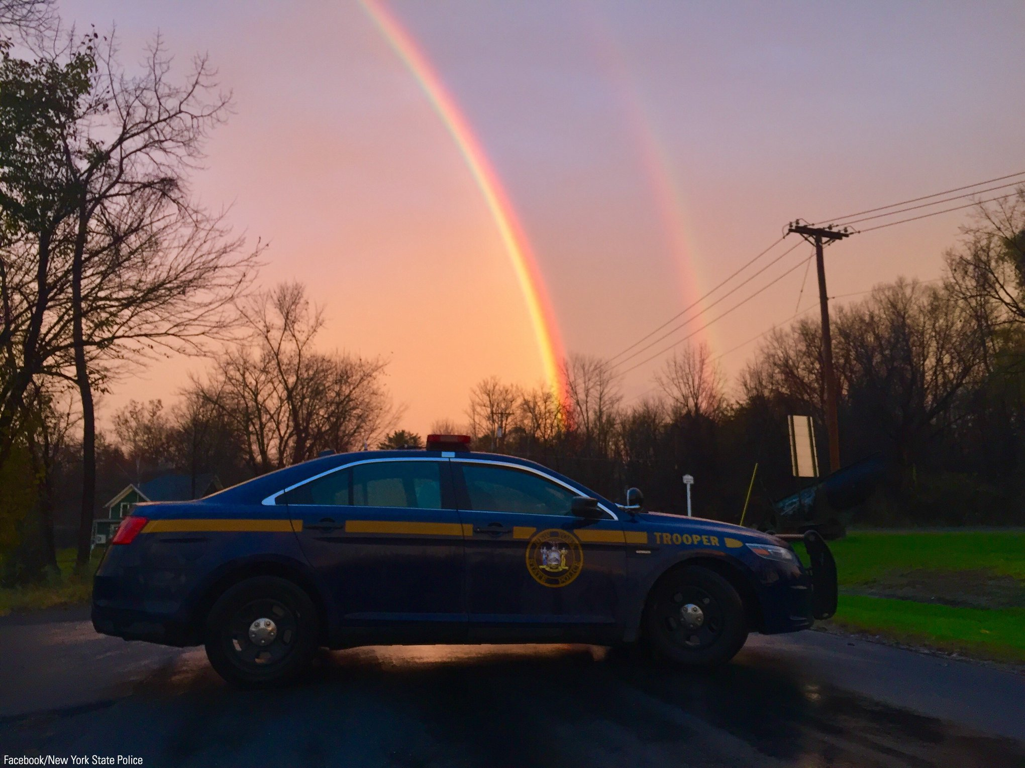 A trooper took this beautiful photo of a double rainbow over a New York State Police squad car, Tuesday. https://t.co/j9V1h3Ja5p
