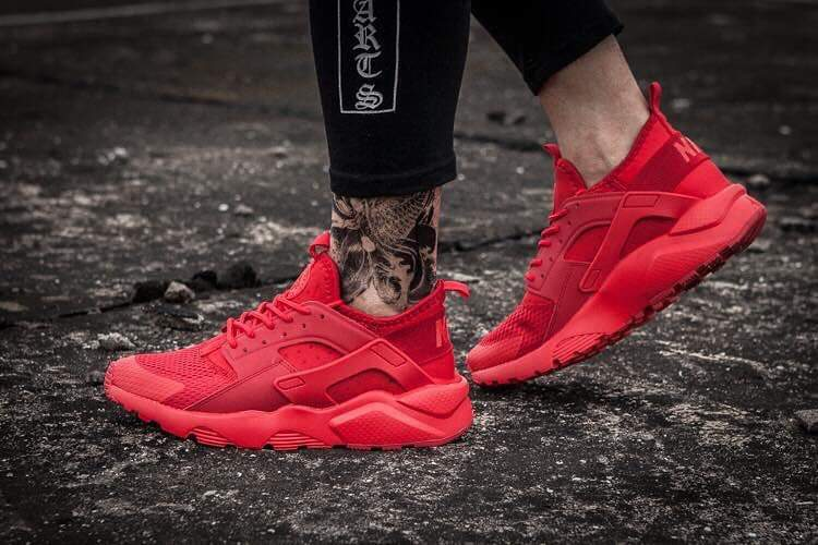 info for 6f49b 2c37c Nike Huarache Triple Red Now available!! Tweet added by Z's ...