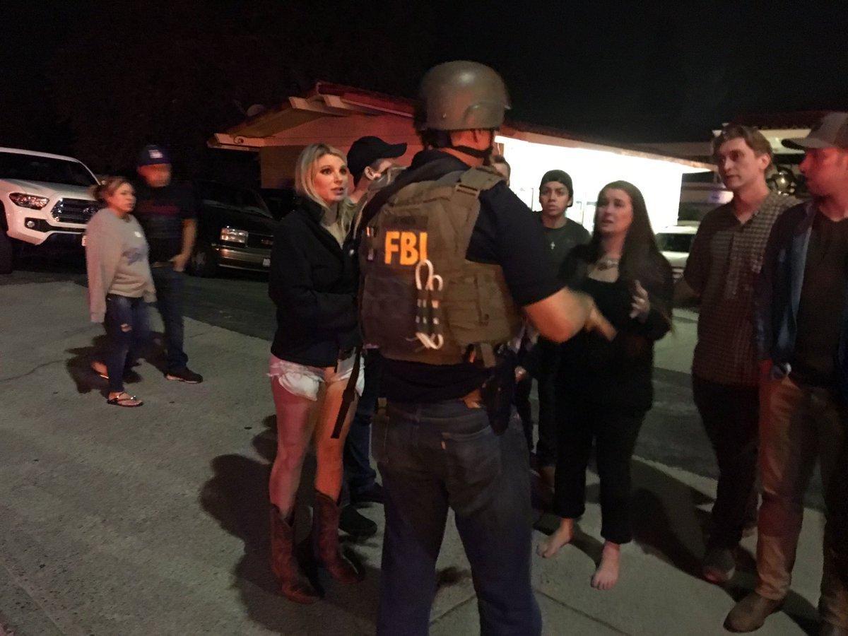 FBI now at the scene of shooting, bomb squad requested   https://t.co/ALNXHQNDa8  https://t.co/LyRI2pYJbf   #Borderline  #ThousandOaks
