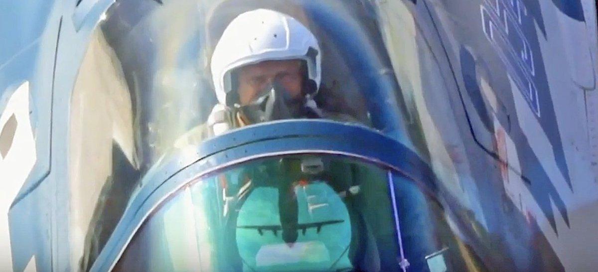 مقاتله Sukhoi T-50 PAK FA سيتغير اسمها الى Su-57  - صفحة 5 Drd5QcHXQAAc61J
