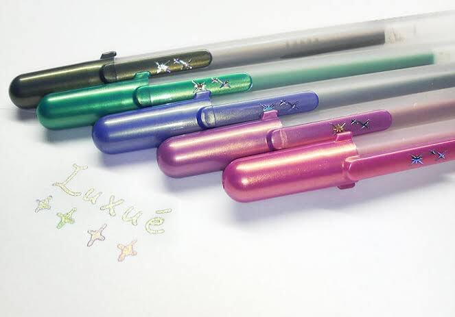 良い香りがするペンを見る度にあの頃は平和だったと..。