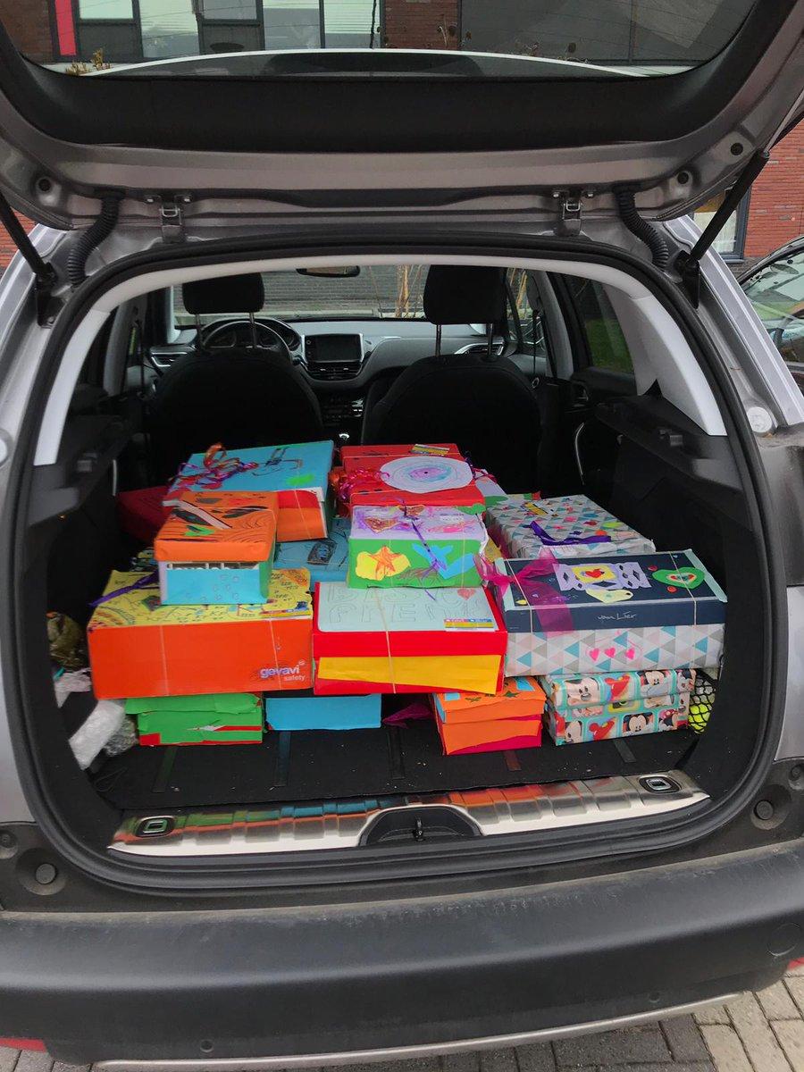 test Twitter Media - Schoenmaatjes: Van schoenendoos tot onvergetelijk cadeau. Op de @Walsprong doen we al jaren mee met het project Schoenmaatjes van @edukans. Met dank aan de kinderen van groep 3 en 4 en natuurlijk hun ouders, #trots! https://t.co/d3sjULYcSj