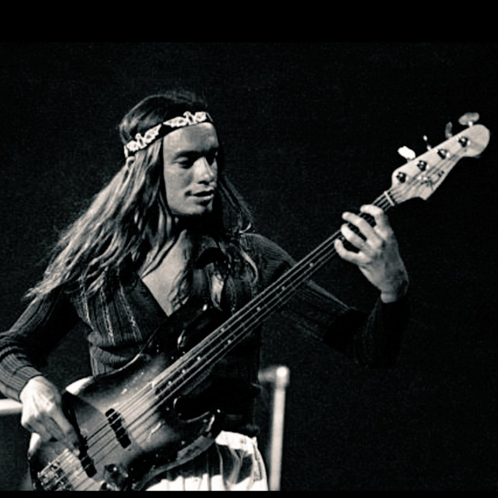 Reloaded twaddle – RT @John_ichi_: Jaco Pastorius …it's a good picture‼️(Photo by Tom...