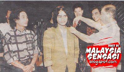 8ab7e9978 Sejarah band Rock Malaysia  Wings start since mid 80 s. Time tu tengah  trend budaya muzik rock barat