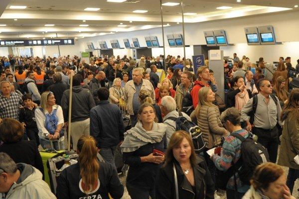 Más de 50 vuelos cancelados de Aerolíneas por una medida de fuerza sindical Photo