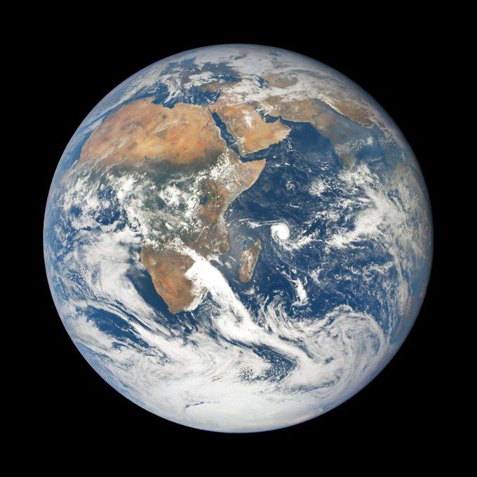 الارض مسطحة ام كروية؟ - صفحة 12 Drf8oRoXcAAH1GR?format=jpg&name=small