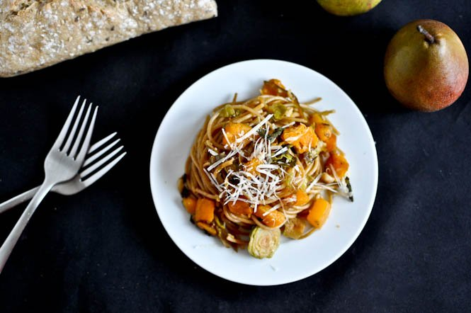 Caramelized Pear, Squash & Parmesan Noodles. - How Sweet Eats  #eating #follover #foodies   https://t.co/RheVHLwETE https://t.co/uxDTM5xo7e