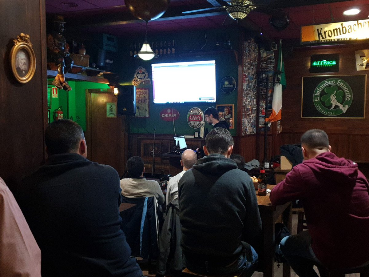 RT @Honey_SEC: Sigue en marcha @hackandbeers #HoneyCON18 gracias a @SophosIberia https://t.co/4QyftNYIq7