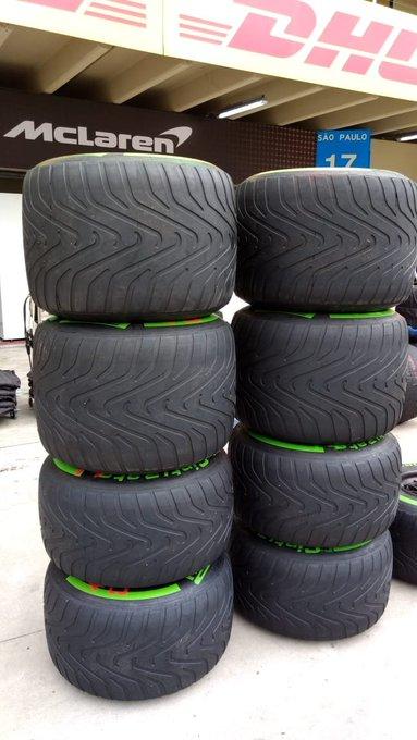 Los neumáticos intermedios y lluvia extrema a la vista. Aparecerán en este fin de semana? @InterlagosTrack #BrazilGP 📸 @motorlat Photo