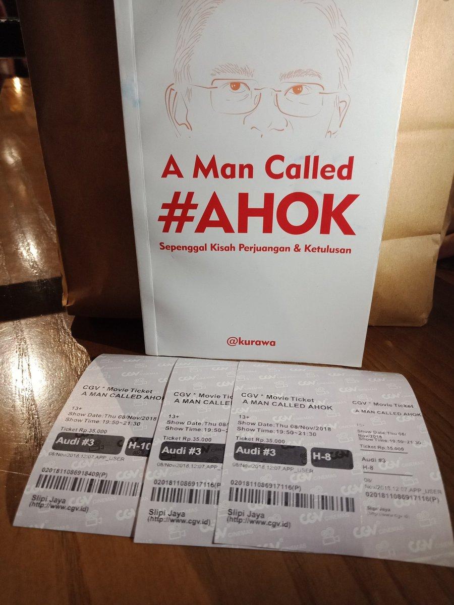 Tadi habis nonton film A Man Called Ahok. Film ini benar-benar sangat menginspirasi, mengajar kita untuk selalu berbuat baik bagi sesama, harus berani karena benar dan tetap mencintai negeri ini apapun yang terjadi. 8/10 👍👍 #AManCalledAhok