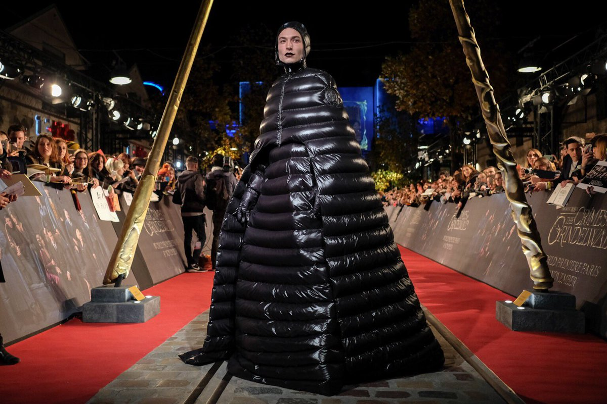 Ezra Miller with the best red carpet look of the year? #FantasticBeasts