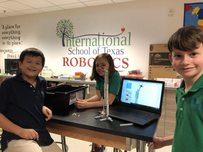 Students at International School of Texas enjoying #NationalSTEMDay! #AustinSTEM @AustinSTEMeco @STEMecosystems Photo