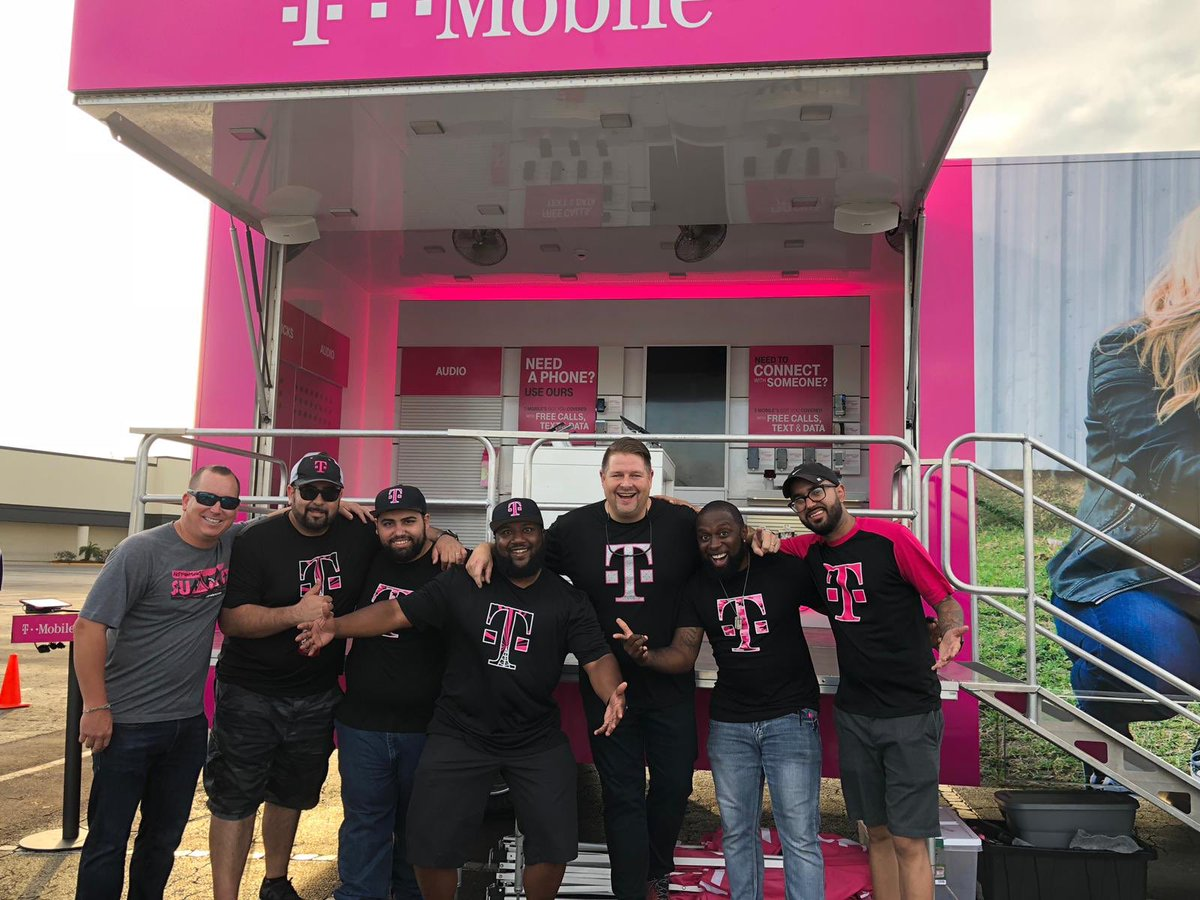 What an amazing experience to be part of our Panama City relief group. Thank you T-Mobile for giving me the opportunity to help others in need and meet some amazing people along the way. An experience I will never forget. #805strong  @JohnLegere @boxbox52 @KenBittner @RyanShiell<br>http://pic.twitter.com/5pQXm2ijGR