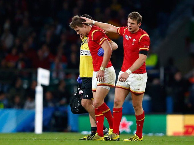 Dan Biggar and Liam Williams on bench for Wales. #WALvAUS Photo