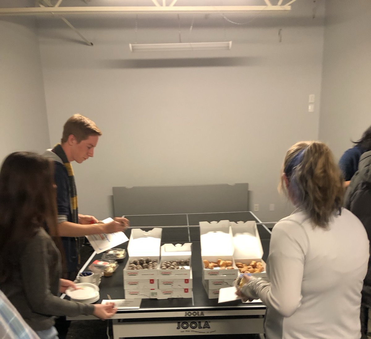 Getting some delicious donut holes!! #ThisIsHowWeBoost #foodie #workculture https://t.co/lCmZ8iq5Ar